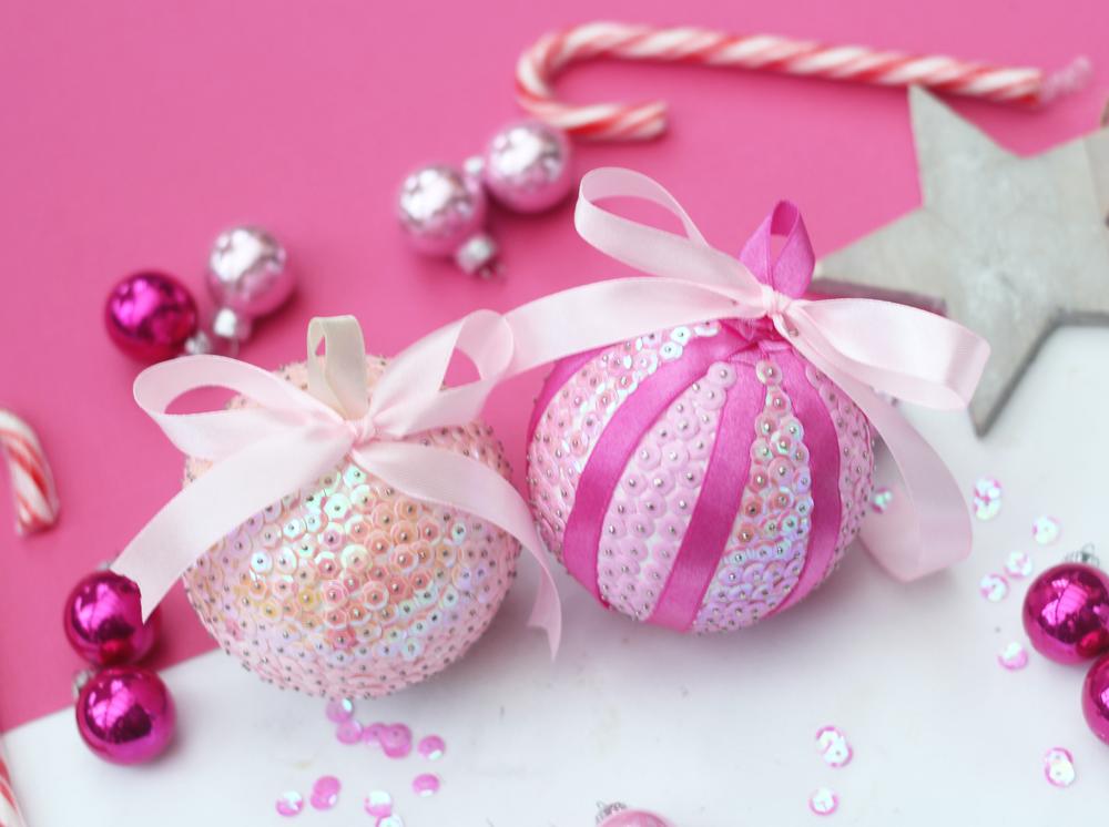 DIY | kerstballen met pailletjes